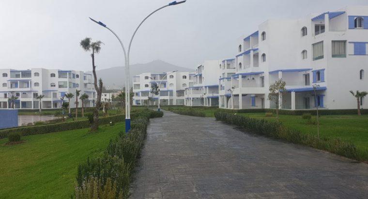 شقة جديدة للبيع سياحية وقريبة من البحر